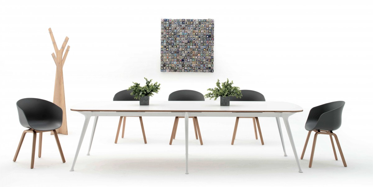 Luno Meeting table 6