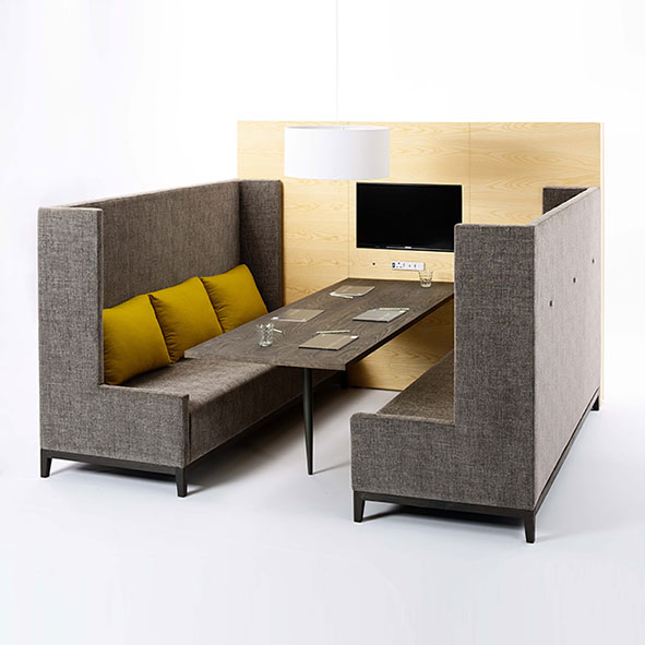 cool-wall-with-table-and-praat-angled